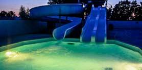 Toboggans et piscine en camping Morbihan